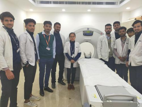 SGT-University-Visit-to-SignatureHospital-02