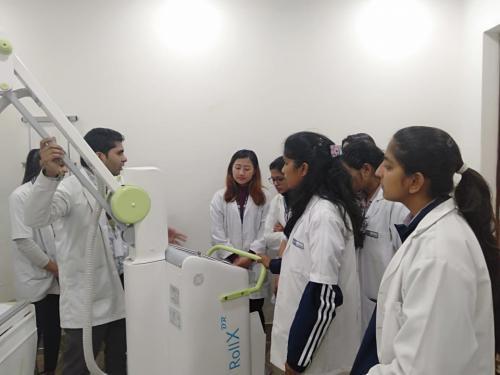 SGT-University-Visit-to-SignatureHospital-04