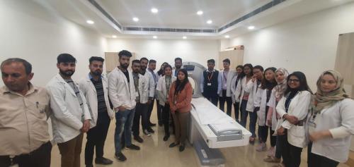 SGT-University-Visit-to-SignatureHospital-10